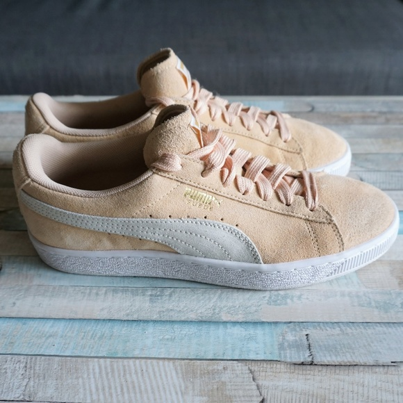 89f97db7abc Puma Suede Classic Cream Suede Lace Up Sneakers 8.  M 5b957adcc89e1ddd46733276